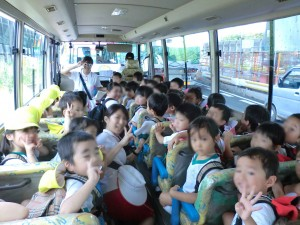 年少遠足バス